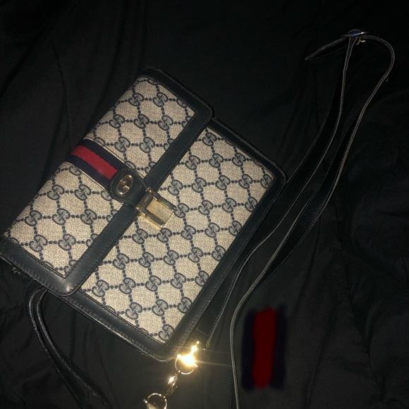 Gucci Handbags - Vintage Gucci shoulder-purse